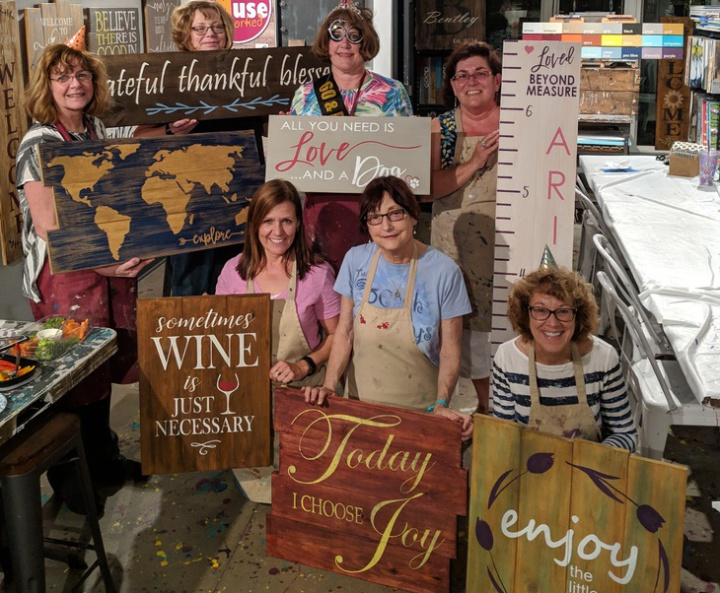 pallet paint night at spring gate vineyard | fun winery events harrisburg pennsylvania