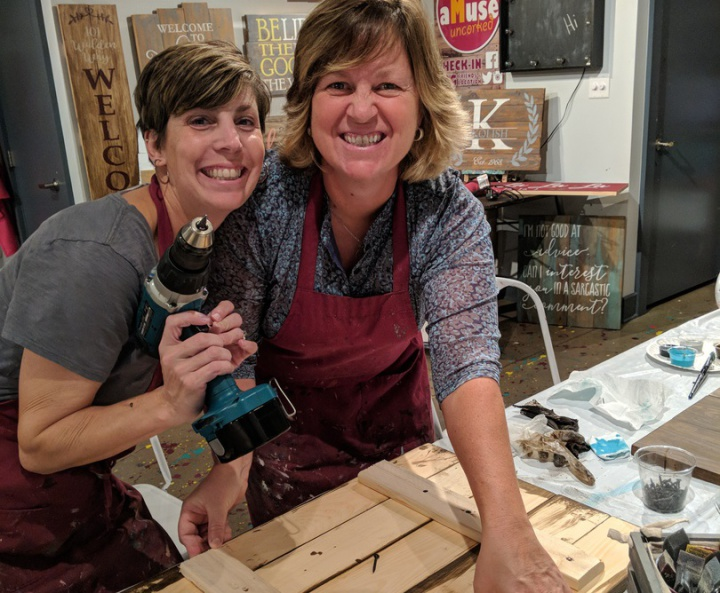 voted best girls night out central pa | rustic wood sign class pallet paint