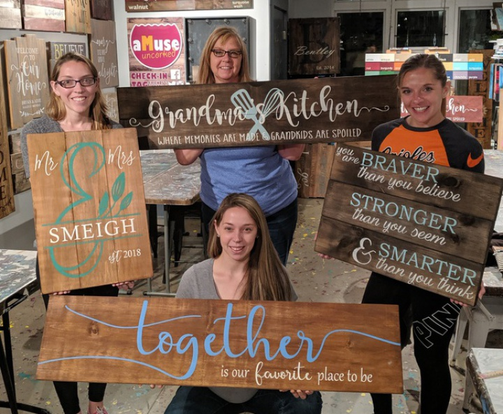 best girls night out harrisburg   rustic wood sign class pallet paint