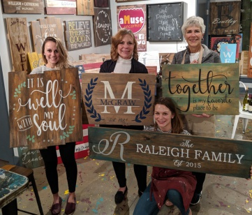 pallet wood sign class mechanicsburg harrisburg carlisle | unique christmas gift experience harrisburg mom sister wife girlfriend
