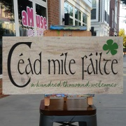 cead mile failte irish wood sign | a hundred thousand welcome gaelic pallet sign